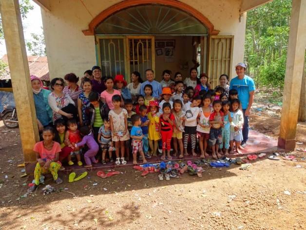 Cộng đoàn lòng thương xót Giáo xứ Tân Việt thực thi bác ái mùa Chay