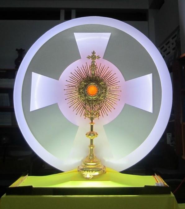 Lịch Phụng Vụ giờ Chầu ngày thứ sáu trong năm Thánh Lòng Chúa Thương Xót
