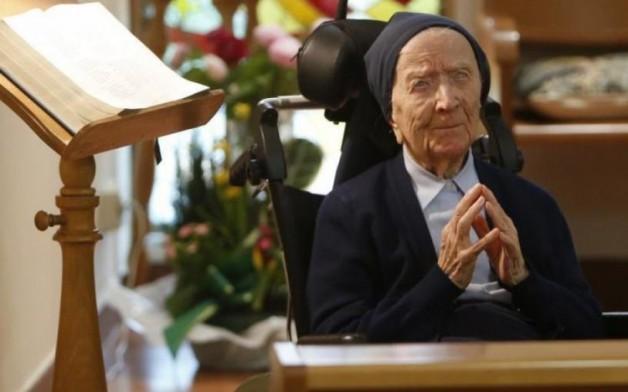 """""""Chúa đã dẫn lối tốt đẹp cho tôi"""" – Nữ tu 113 tuổi suy ngẫm về phúc lành của mình"""