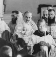 Cha Thánh Piô không rời được ngày lễ Giáng Sinh