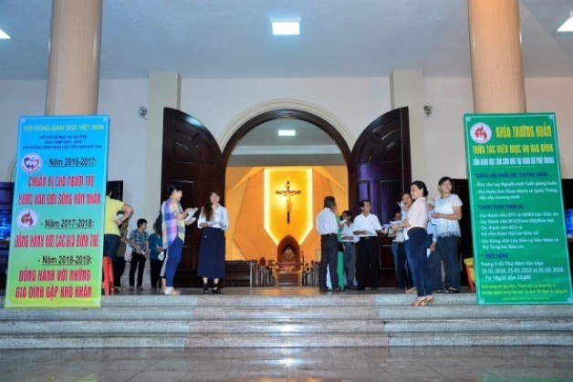 Giáo xứ Phú Trung: Thường huấn Thừa tác viên Mục vụ Gia đình 2018