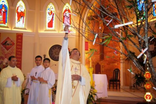 Người Công Giáo Việt Nam làm gì trong những ngày Tết?