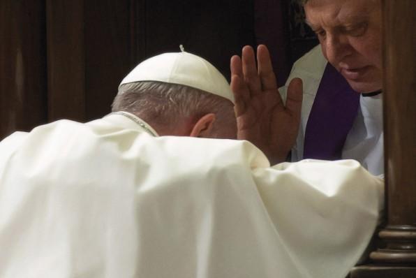 """Cử hành sáng kiến 24 giờ cho Chúa tại Vatican với chủ đề """"Nơi Chúa có ơn tha thứ""""."""