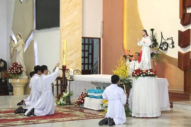 Giáo xứ Tân Việt: Đại lễ Lòng Thương Xót Chúa