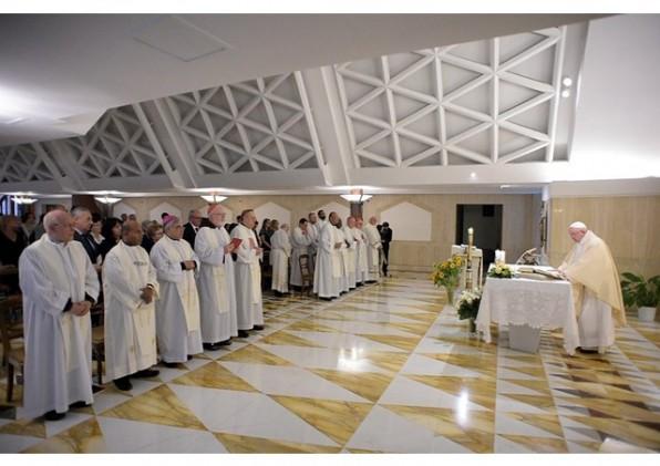 Giáo Hội chỉ cân bằng và đứng vững khi tiếp tục chuyển động