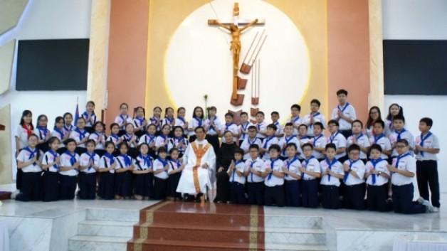 Giáo xứ Tân Việt: Thiếu nhi Rước lễ lần đầu