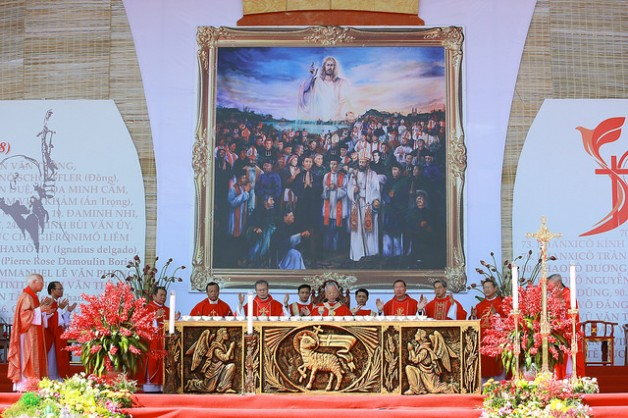 Thánh lễ khai mạc Năm thánh các thánh Tử đạo Việt Nam tại Sở Kiện