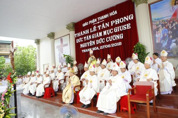 Đại Lễ Tấn Phong Đức Giám Mục Thanh Hóa Giuse Nguyễn Đức Cường