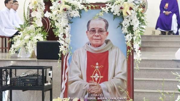 Thánh lễ an táng Cha Cố G.B.Maria Đoàn Vĩnh Phúc