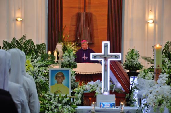 Lễ phát tang Linh mục Phaolô Lê Tấn Thành – nguyên Giám đốc Đại Chủng viện Thánh Giuse Sài Gòn