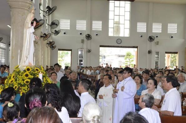 Giáo xứ Tân việt kỷ niệm Đức Me hiện ra tại Fatima