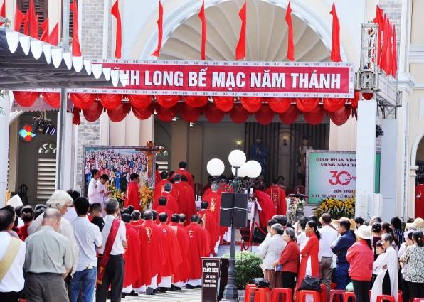 Giáo Phận Vĩnh Long : Thánh Lễ bế mạc năm Thánh các Thánh Tử Đạo Việt Nam