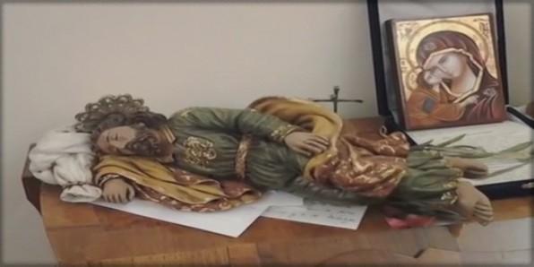 Thánh Giuse có cánh tay dài