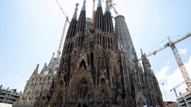 Nhà thờ Thánh Gia ở Barcelona có giấy phép sau 137 năm khởi công