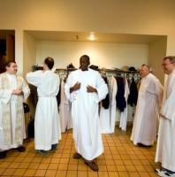 Tại Mỹ, các linh mục châu Phi đến giúp một tay