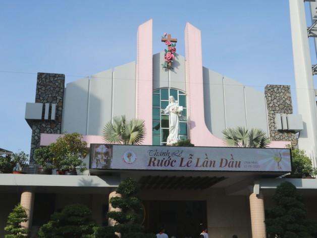 Giáo xứ Tân Việt Thiếu nhi Rước Lễ lần đầu