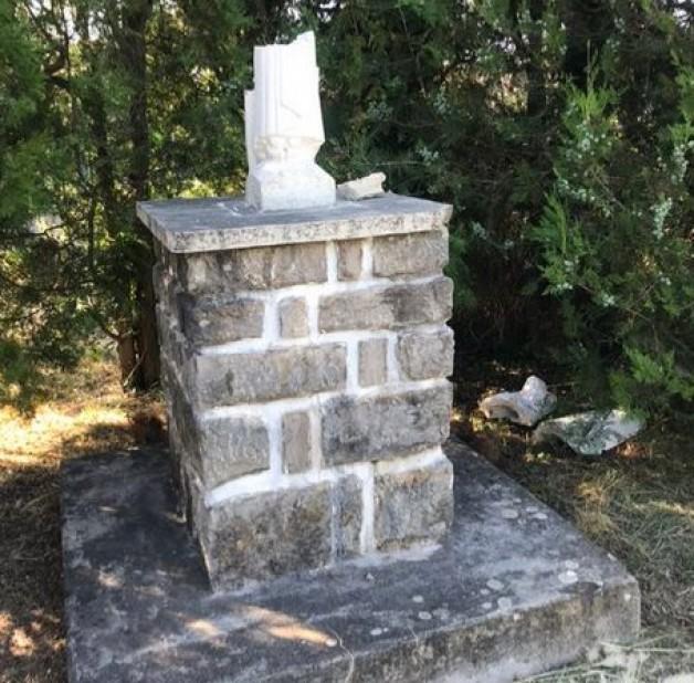 Thêm một bức tượng Đức Mẹ bị chặt đầu ở Hérault