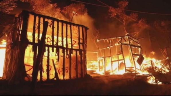 Hỏa hoạn thiêu rụi trại tị nạn đông dân ở Moria trên đảo Lesbos của Hy Lạp