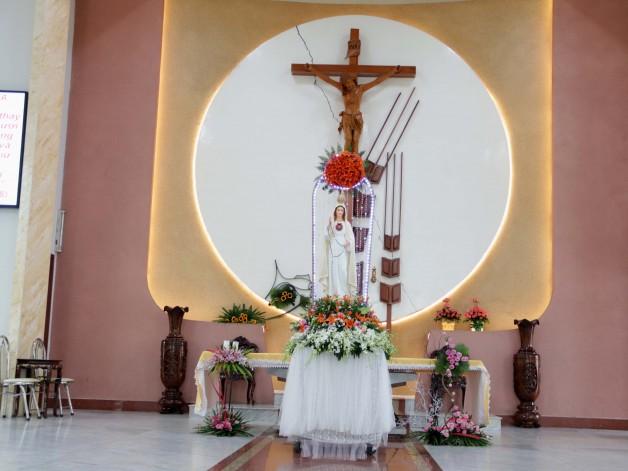 Giáo xứ Tân Việt: Kỷ niệm Đức Mẹ hiện ra tại Fatima