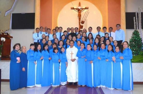 Giáo xứ Tân Việt: Bổn mạng Gia Đình Con Đức Mẹ