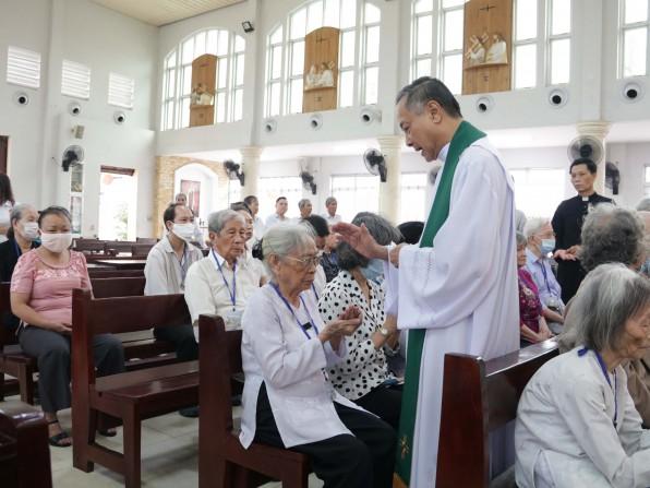 Giáo xứ Tân Việt Ngày quốc Tế bệnh nhân