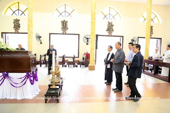 Đức Tổng Giám Mục Giuse Ngô Quang Kiệt Trở Về Hà Nội  Viếng Thi Hài Cha Matthêu Vũ Khởi Phụng