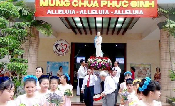 GX Tân Việt khai mạc Tháng Hoa 2017