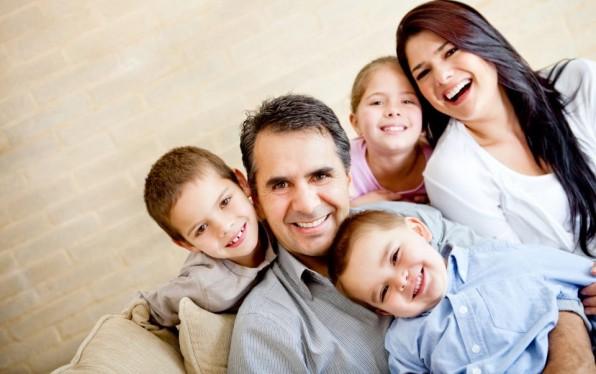 Tình người trong gia đình