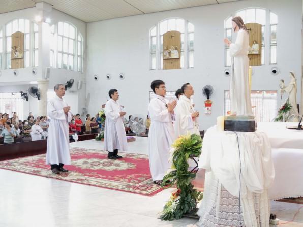 Giáo xứ Tân Việt Đại lễ Lòng Thương Xót Chúa