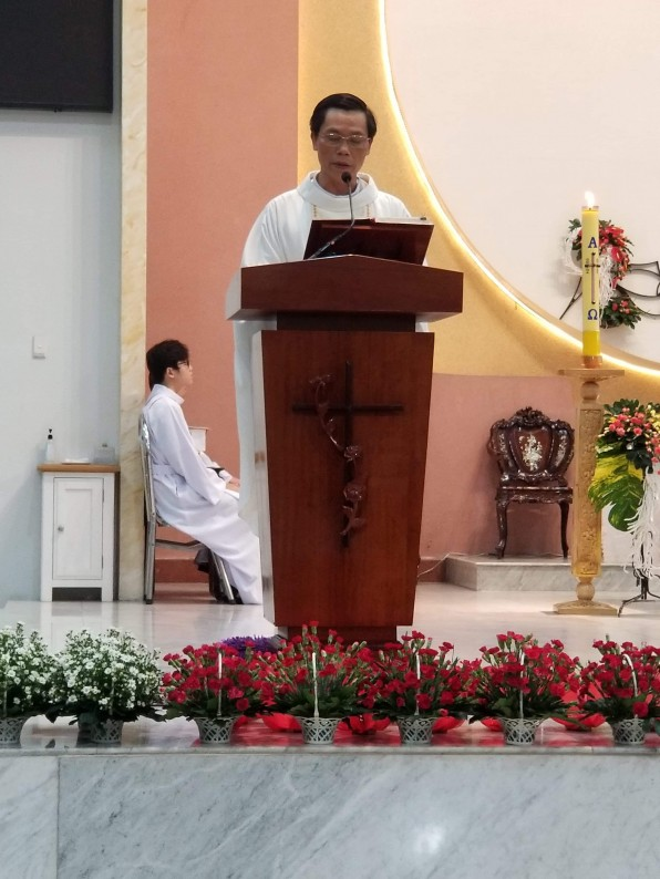 Bài Giảng Lễ Đức Mẹ hiện ra lần thứ 1 tại  FATIMA do Cha Phó Giuse Đỗ Đức Hạnh Giảng Lễ